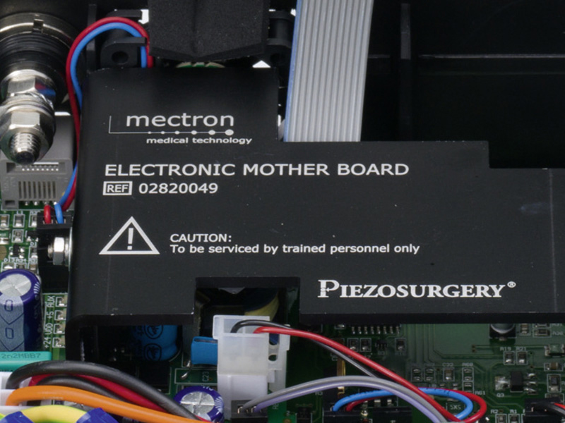 electronics of PIEZOSURGERY® white
